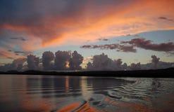 Puesta del sol sobre bahía del mangle fotos de archivo libres de regalías