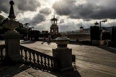 Puesta del sol sobre Barcelona Placa de les Cascades Imágenes de archivo libres de regalías