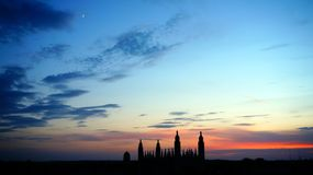 Puesta del sol sobre Cambridge, Reino Unido Imagen de archivo libre de regalías