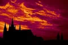 Puesta del sol sobre catedral de St.Vitus Fotografía de archivo