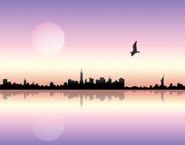 Puesta del sol sobre ciudad stock de ilustración