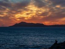 Puesta del sol sobre Diamond Head Honolulu fotografía de archivo libre de regalías