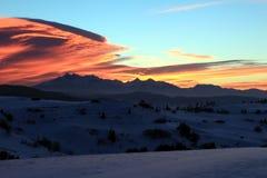 Puesta del sol sobre el alto Tatras Fotografía de archivo