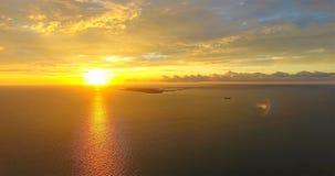Puesta del sol sobre el golfo y la bahía fotos de archivo libres de regalías