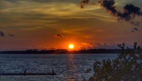 Puesta del sol sobre el lago Dora fotografía de archivo libre de regalías