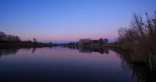 Puesta del sol sobre el lago Jeskovo imagen de archivo libre de regalías