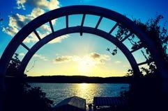 Puesta del sol sobre el lago Lemán imagen de archivo libre de regalías