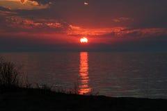 Puesta del sol sobre el lago Michigan Imagen de archivo libre de regalías