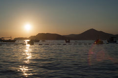 Puesta del sol sobre el mar adriático Foto de archivo libre de regalías