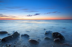 Puesta del sol sobre el mar Báltico Foto de archivo