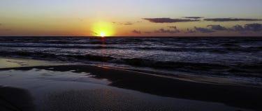 Puesta del sol sobre el mar Báltico - Lubiatowo Imagen de archivo