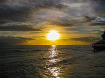 puesta del sol sobre el océano, isla de Maui, Hawaii Fotografía de archivo