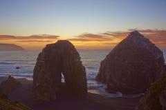 Puesta del sol sobre el Pacífico Fotografía de archivo libre de regalías