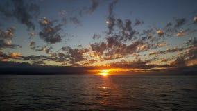 Puesta del sol sobre el Pacífico Imágenes de archivo libres de regalías