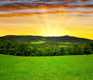 Puesta del sol sobre el parque nacional Sumava Imágenes de archivo libres de regalías