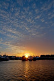Puesta del sol sobre el puerto de Freo fotos de archivo