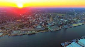 Puesta del sol sobre el puerto de móvil foto de archivo libre de regalías