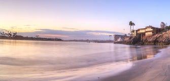 Puesta del sol sobre el puerto en Corona del Mar Fotografía de archivo libre de regalías