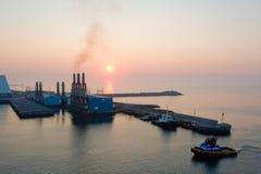 Puesta del sol sobre el quetzal de Puerto Fotografía de archivo libre de regalías