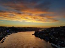 Puesta del sol sobre el r?o del Duero foto de archivo libre de regalías
