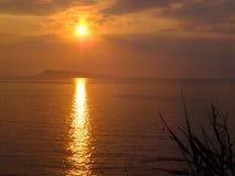 Puesta del sol sobre el ver Fotos de archivo libres de regalías