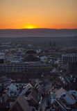 Puesta del sol sobre Friburgo, Alemania Foto de archivo libre de regalías