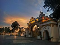 Puesta del sol sobre Istana Anak Bukit Fotos de archivo