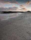 Puesta del sol sobre la bahía de Lyme imágenes de archivo libres de regalías