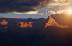 Puesta del sol sobre la barranca magnífica Fotos de archivo