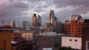 Puesta del sol sobre la ciudad de Londres almacen de video