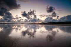 Puesta del sol sobre la costa, Donegal, Irlanda Imagen de archivo