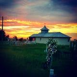 Puesta del sol sobre la iglesia ortodoxa Imágenes de archivo libres de regalías
