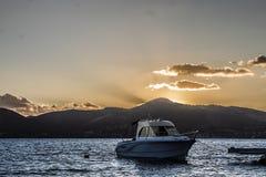 Puesta del sol sobre la isla de Lefkada Fotografía de archivo