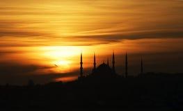 Puesta del sol sobre la mezquita azul Fotos de archivo libres de regalías
