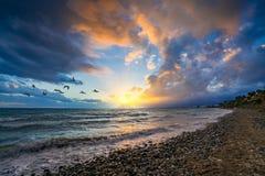 Puesta del sol sobre la playa, Marbella, España Fotos de archivo