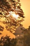 Puesta del sol sobre la torre Imagenes de archivo
