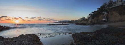 Puesta del sol sobre la torre de la torrecilla en Victoria Beach Imágenes de archivo libres de regalías