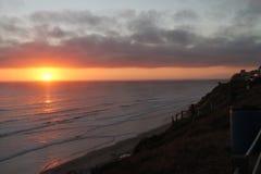 Puesta del sol sobre la vecindad de California Foto de archivo libre de regalías