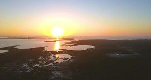 Puesta del sol sobre las llaves de la Florida metrajes