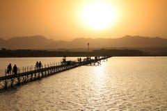 Puesta del sol sobre las montañas de Sinaí Imagen de archivo libre de regalías