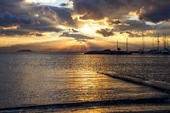 Puesta del sol sobre mediterráneo Imagenes de archivo