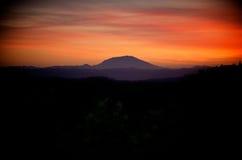 Puesta del sol sobre Mt St Helens Fotos de archivo