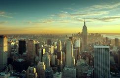 Puesta del sol sobre New York City Imagen de archivo libre de regalías