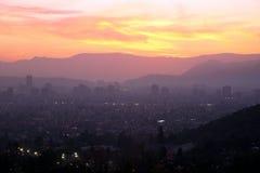 Puesta del sol sobre Santiago, Chile Fotografía de archivo