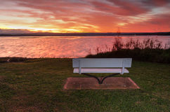 Puesta del sol sobre St Georges Basin, NSW Australia Imagen de archivo