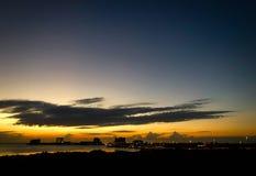 Puesta del sol sobre Tampa Bay, la Florida foto de archivo