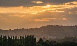 Puesta del sol sobre una escena rural inglesa Fotografía de archivo libre de regalías