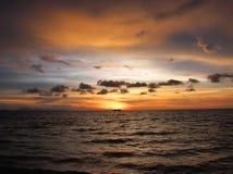 Puesta del sol Tarutao de Amaizing imagen de archivo libre de regalías