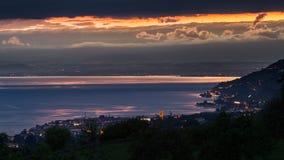 Puesta del sol tempestuosa del lago Lemán imagen de archivo libre de regalías