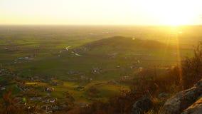 Puesta del sol Timelapse de las colinas de Italia almacen de video